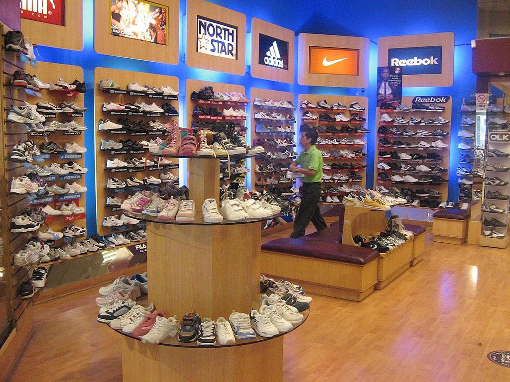 Cómo un sistema de ventas para zapaterías simplifica el manejo del inventario